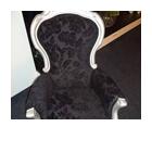 Antiker Stuhl modern gepolstert